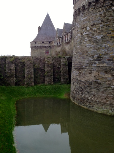 An impromptu moat at the Chateau du Rohan in Pontivy where there hasn't been a moat in hundreds of years.